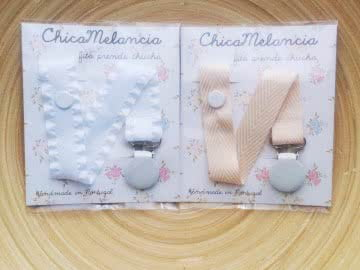 Pack: 2 Pacifier Holder | White and Ivory  (Frilly)